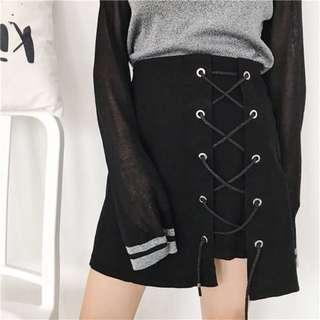 📦[INSTOCK] Black Shoe Lace Up Skirt‼️