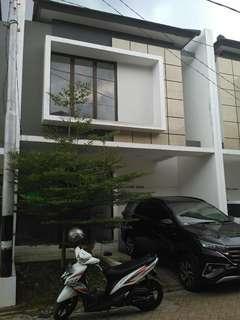 Rumah minimalis 2 lantai di Cluster the Oasis Pondok Kacang Barat Pd Aren Tangsel