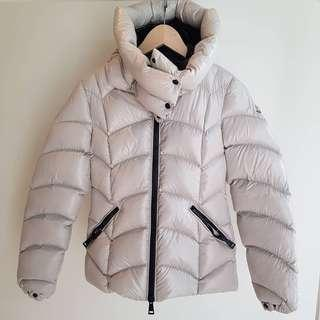 Like New MONCLER Akeiba Dove Grey Down Winter Jacket - size 0 Small S  AUTHENTIC