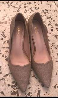 Clearance 4 pair size 7 heels
