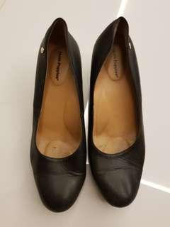 Hush Puppies pump shoes