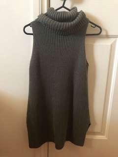 Ice fashion dark green sleeveless turtleneck knit top