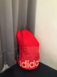 🚚 全新有吊牌Adidas桃紅超輕便透氣束口背包