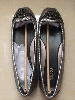 READY AUTHENTIC MICHAEL KORS FUTTON FLATS