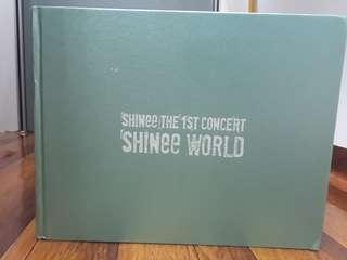 """SHINee 1st Concert PhotoBook """"SHINee World"""""""