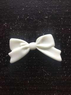 Flatback Resin White Bow