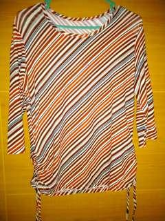 #SuperDeal (Preloved) Blouse garis merah (Kode:009)