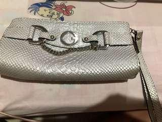 PRELOVED CLUTCH GUESS AUTHENTIC