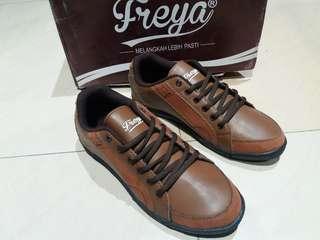 Sepatu pria size 39s/d 41 merk freya man