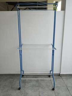 Cloth hanging stand hanger