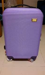 雜牌紫色行李喼
