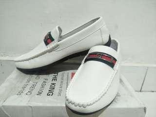 Sepatu slip on gucci import unisex