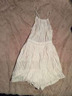 Play suit fits a 8