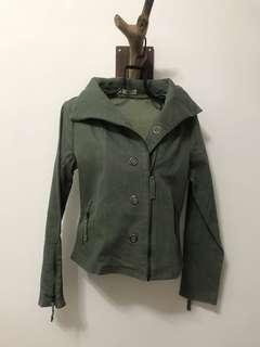 🚚 EWEAR 軍綠單寧短版立領外套(含運)