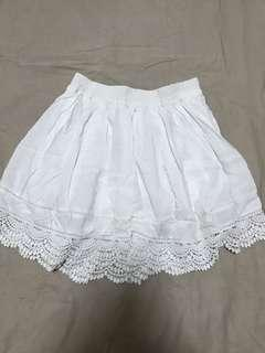 🚚 white lace skirt