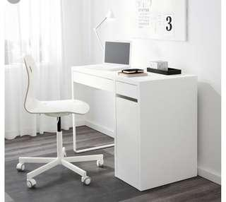 Ikea micke table (brand new)