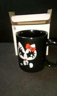 Hello kitty kiss mug the demon