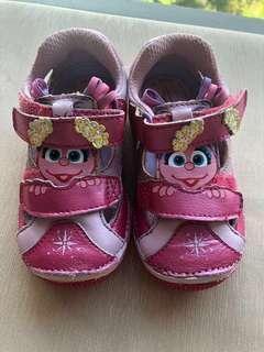 Baby girl strite rite Sesame Street shoes