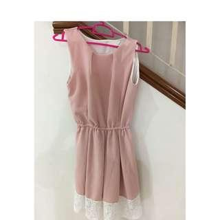 Pink lace dress (Free size)