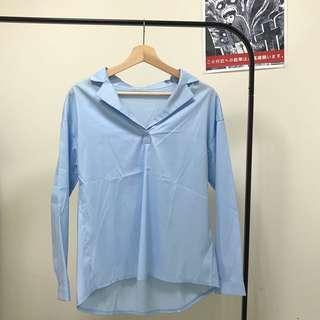水藍色絲質襯衫