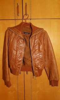 Genuine brown leather jacket size S (bought in UK)