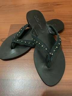🚚 Lilla lane 夾腳式質感涼鞋