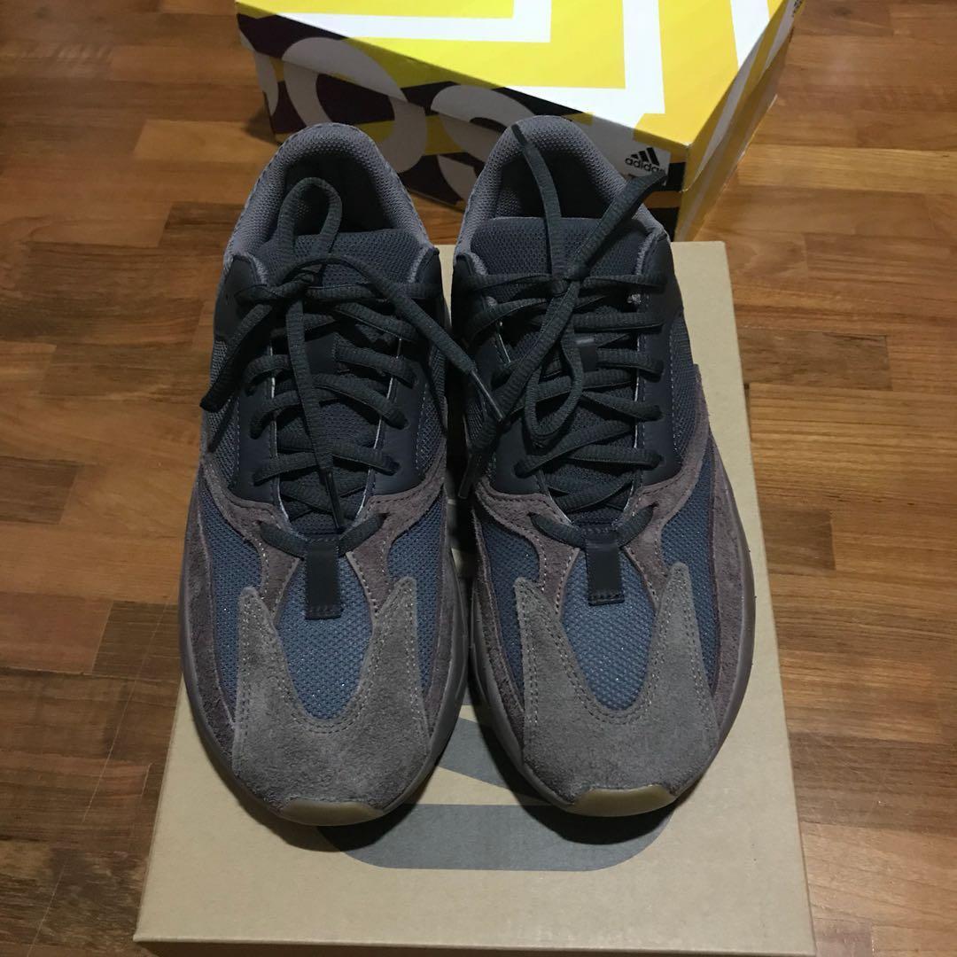 best website f0b37 f15b1 Adidas Yeezy 700 Mauve Wave runner, Men's Fashion, Footwear ...