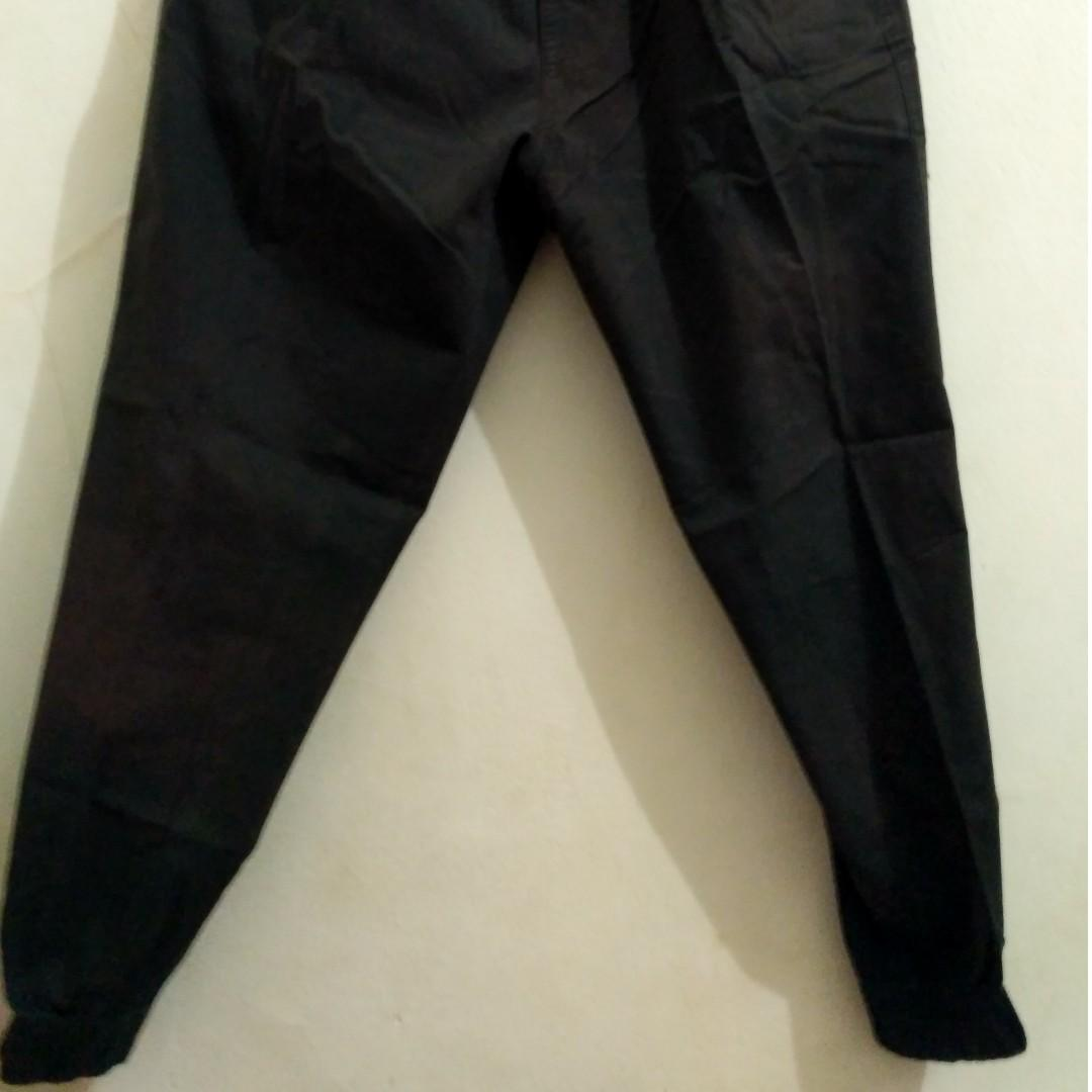 Celana Panjang Hitam Chino Altic Ukuran L ( second)