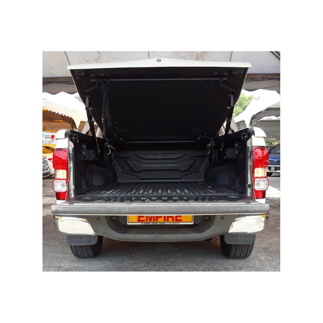 CHEVROLET COLORADO CREW CAB 2.8 ( A ) DIESEL TURBO LTZ 4WD !! NEW FACELIFT !! PREMIUM FULL SPECS !! ( X 7018 X ) 1 CAREFUL OWNER !!