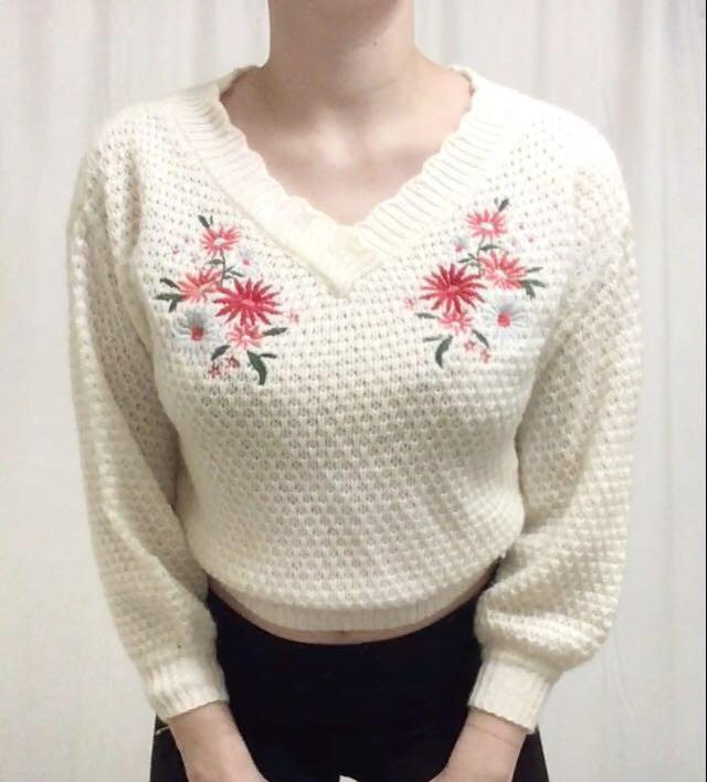Embroidered Creme Knit Sweater with Red Flowers Size Small