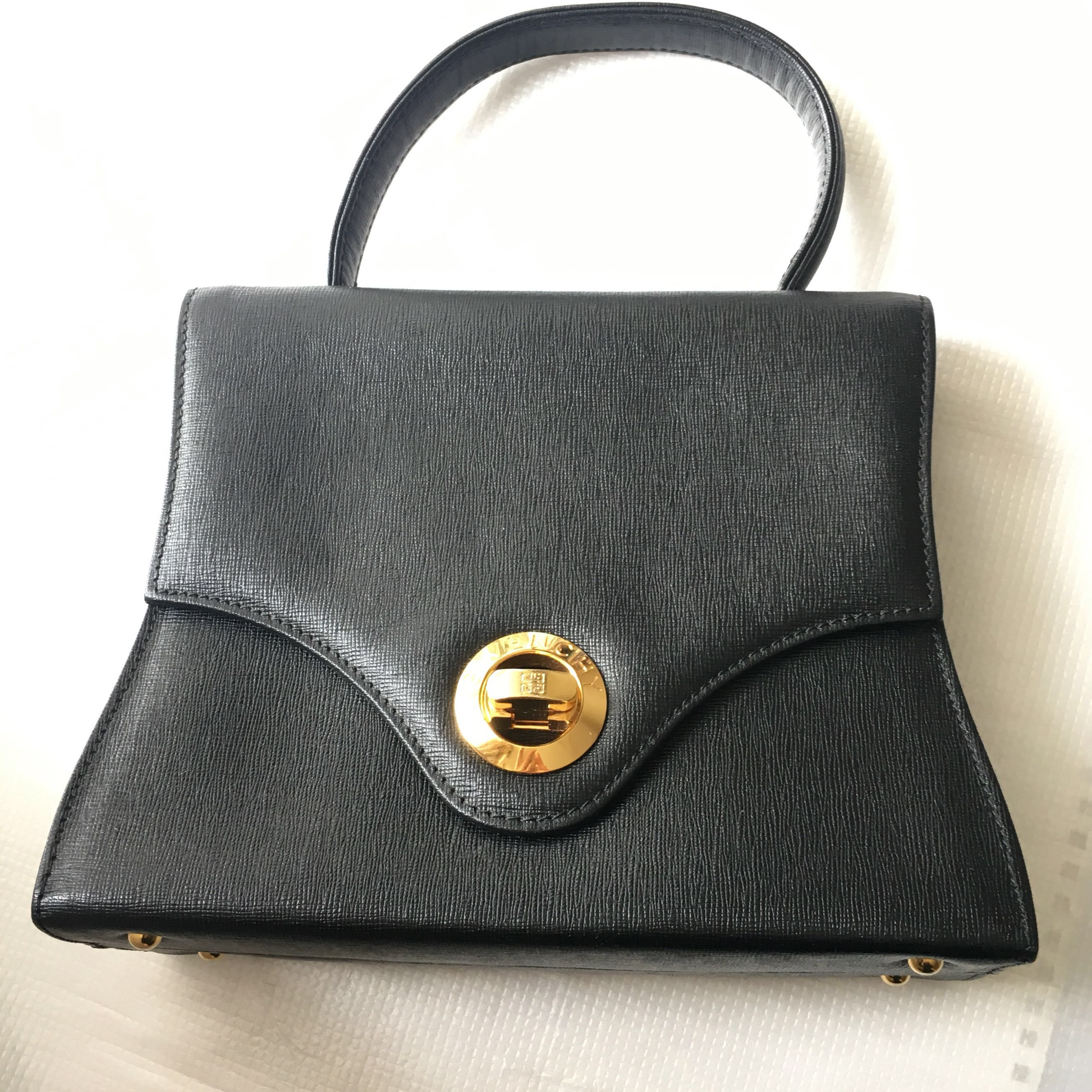 dc220b33207 Givenchy vintage handbag 黑色十字紋牛皮手挽細袋Celine Ferragamo style, Luxury, Bags &  Wallets on Carousell
