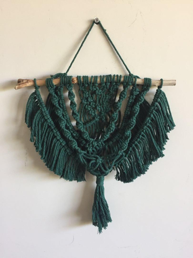 Green macrame crystal hanger