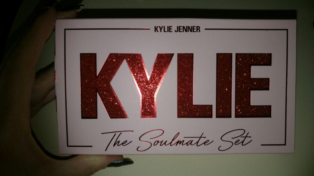 Kylie cosmetics - the soulmate set (limited edition)