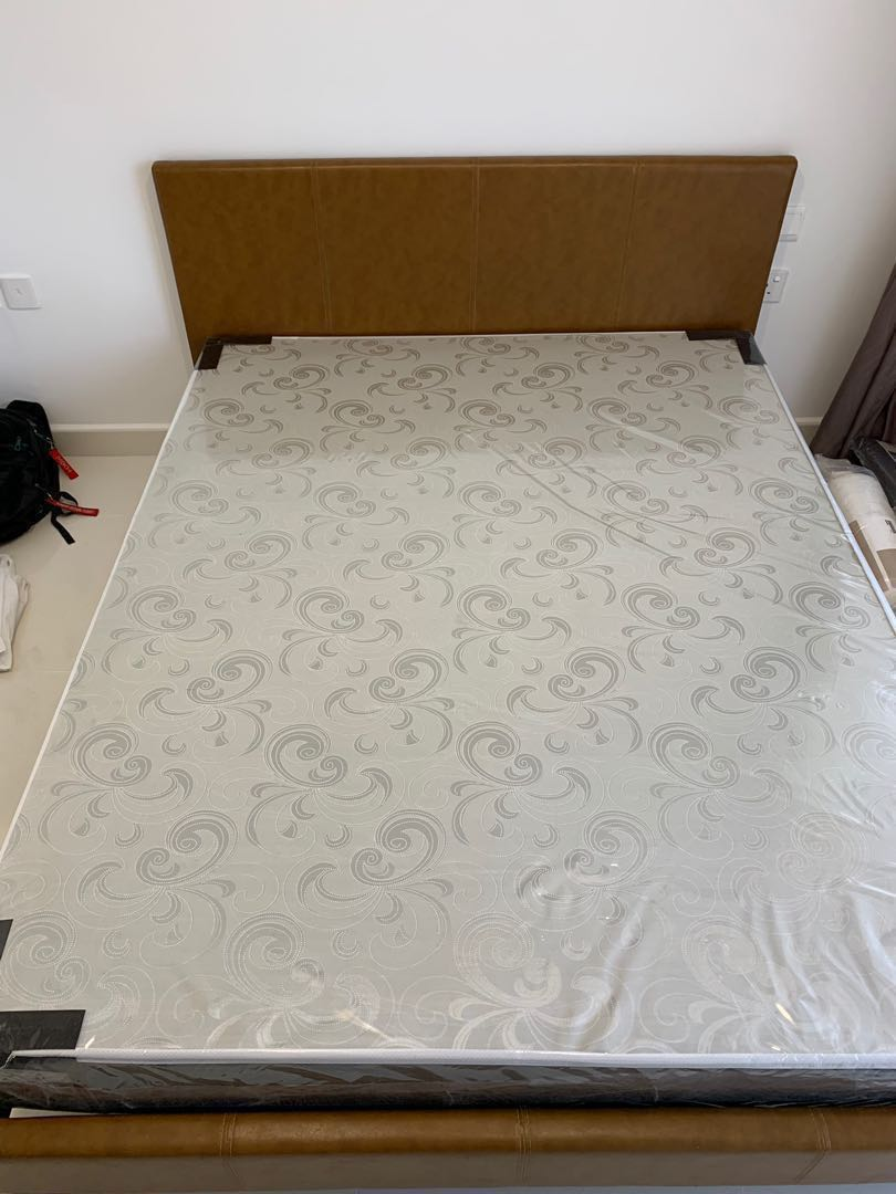 Queen Size Mattress With Free Used Bed Frame Furniture Beds