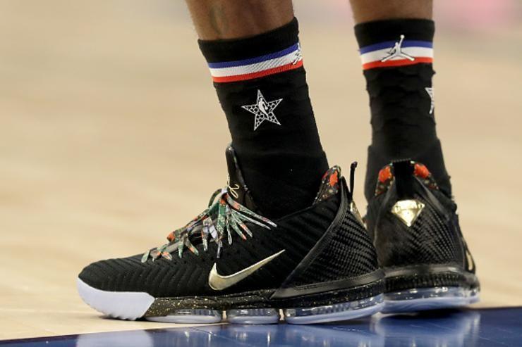 separation shoes 1e22c 694fa US 7.5 Nike Lebron 16 watch the throne, Men's Fashion ...