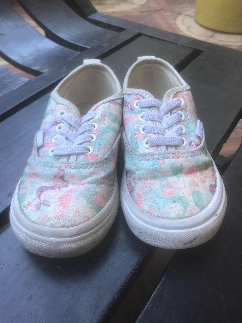 7dde6965c1cc7 Vans for girls, Babies & Kids, Others on Carousell