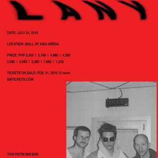 Selling= 1 LANY Upper Box Premium Day 1