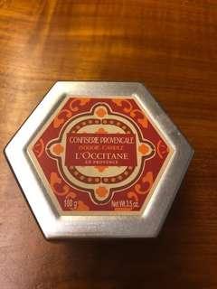 L'Occitane perfume candle