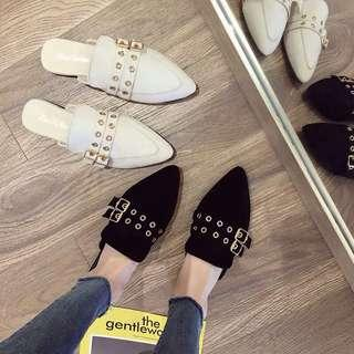 🚚 Sandals and slippers, wild pointed belt buckle flat slippers, fairy Baotou Mules shoes