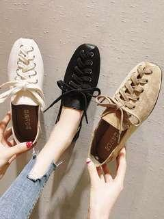🚚 Chic peas shoes female 2019 spring new small fresh Korean version of the wild cross straps square head flat shoes tide
