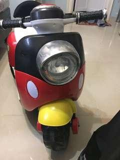 兒童電動車Electric Scooter