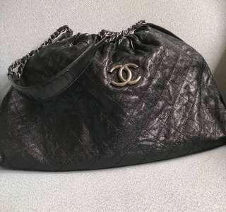 SALE!!! Authentic Chanel Glazed Caviar Quilted Elastic Shoulder Tote bag
