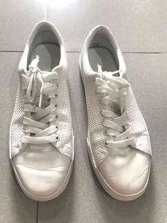 Sepatu zara man size 45