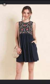 🚚 (Free NM) Neonmello Vacay Embroidery Babydoll Dress in Navy