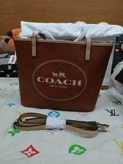 Preloved coach New Metro Horse and Carriage Small Tote Bag