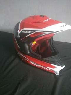 Helm croz