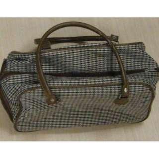 🚚 格紋手提行李包