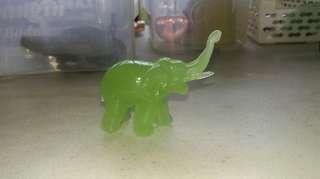 Gajah mini batu giok / jade