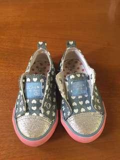 Sepatu slip on mothere care