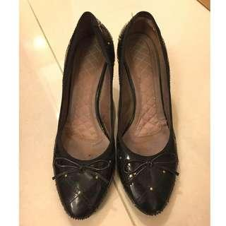 le saunda black pumps 黑色高跟鞋